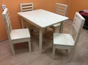 Обеденный стол и стулья (ель)