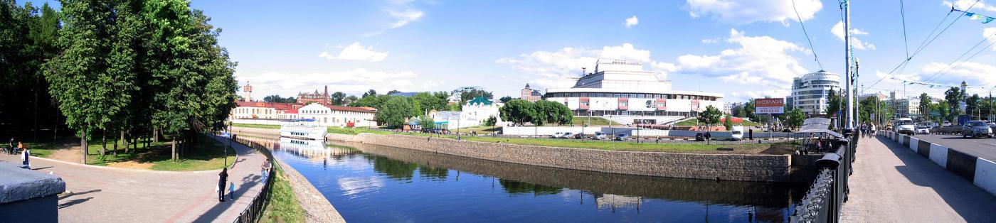 Pushkin_square_panorama.jpg
